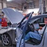 Top national automotive instructor John Thornton recently spent the day at Motor Works.